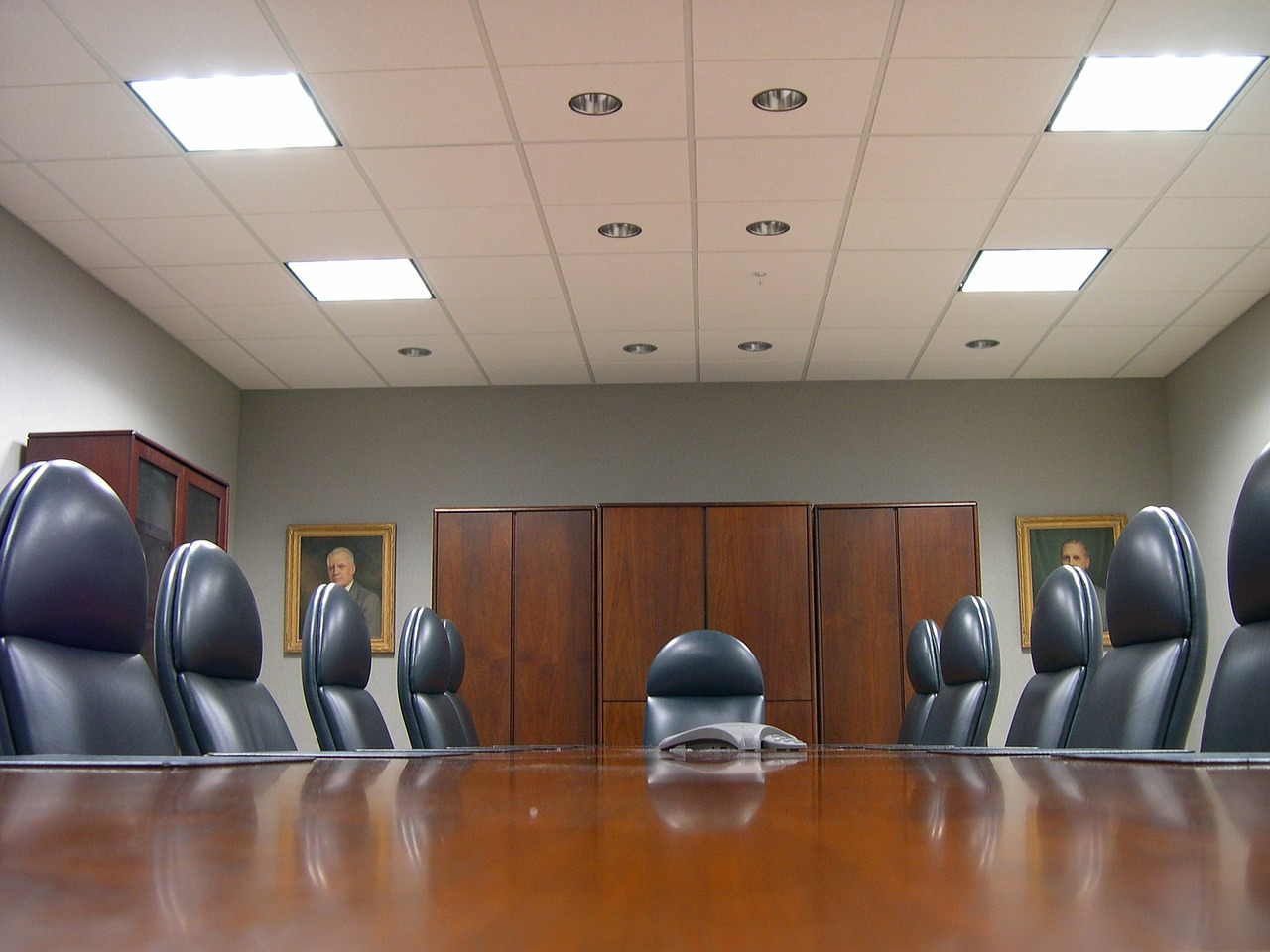 Businesses struggling to fill management positions